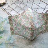 送料無料✴生成りにグレーのバイアスチェックとグリーンのお花が可愛いマスクです✴裏地に涼感加工ガーゼ使用✴の画像