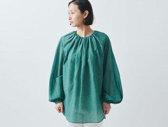 【送料無料】enrica cottonsilk blouse green/ botanical dyeの画像
