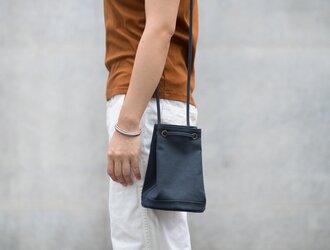 2way巾着バッグ ブルーブラックの画像