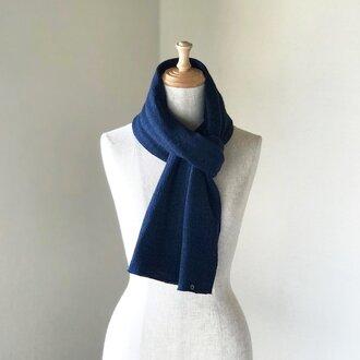 縮絨Woolの筒編みふっくらマフラー Navy