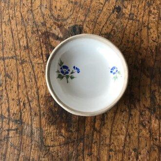 白化粧色絵豆皿 アサガオ