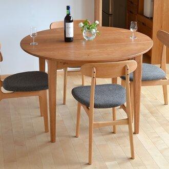 山桜の伸びる丸テーブル(4〜8人)