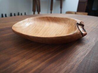 ブラックチェリー木皿の画像