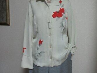 手描き赤いバラのシルクシャツの画像