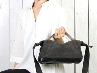 nomad-mini-クロ(タンニン染め帆布×杤木レザーバッグ)の画像