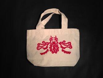 刺繍バッグの画像