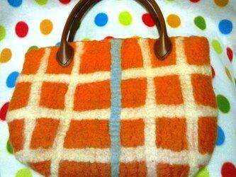 羊毛 格子柄のオレンジバッグの画像