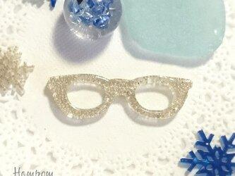 メガネのピンブローチ シルバー ホムポムの画像