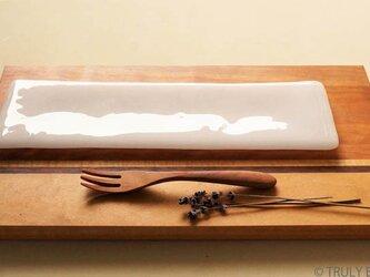 純白ガラスの器 -「 KAZEの肌 」● 28×8cm・光沢の画像