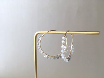 grey trim mini earringsの画像