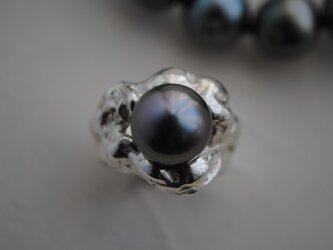 黒蝶真珠のリングの画像