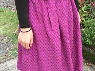 紫のふんわりスッキリしたギャザースカート アンティーク着物のリメイクの画像