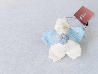 小さな巾着袋/みこ花「みずいろ」(花軸色:みずいろ)mi-3b/リメイク着物の画像