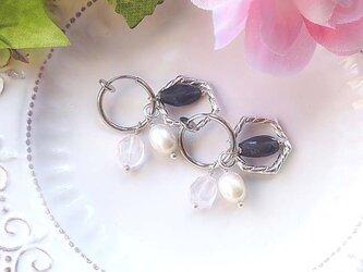 アイオライト&宝石質ローズクォーツのイヤリングフープの画像
