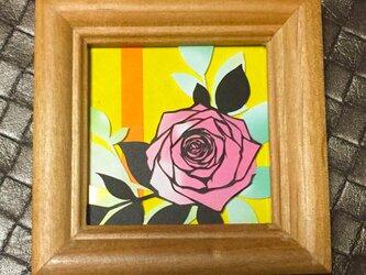 小さな切り絵・ピンクの薔薇の画像