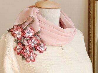【再販】立体レース 花のコットンストール「マーガレット/2辺」パウダーピンクの画像