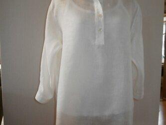 麻のシャツの画像