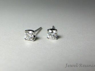 八角形のダイヤのピアス K18WG(片耳用)の画像