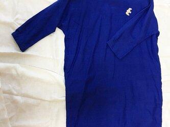 リネン サファイアブルー 丸襟ワンピースの画像