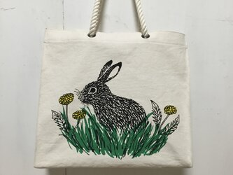 paperbag-shaped bag - rabbit and dandelion ②の画像