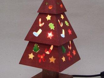 木とガラスのクリスマスツリー(赤)の画像