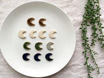 【陶土】月ブローチ ヘアゴムの画像