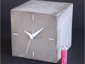 キューブ時計A-type コンクリート製の画像