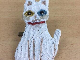 白猫オッドアイビーズブローチの画像
