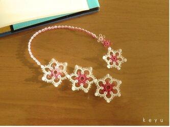 雪の結晶しおり(まる ピンク+白)/タティングレースの画像