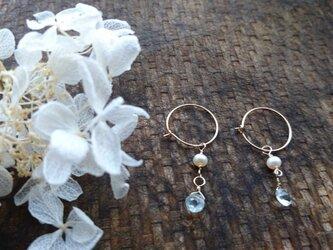 アクアマリンと淡水真珠のフープピアス【14kgf】の画像