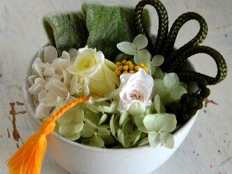 【グリーンホワイト】バラとアジサイの和風アレンジ プリザーブドフラワー 花ギフト お祝い 正月の画像