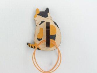 ニャンと便利な!三毛猫の輪ゴムホルダー マグネットの画像
