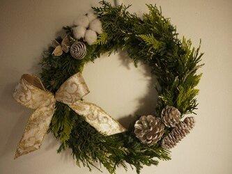 国産エバーグリーンのクリスマスリースの画像