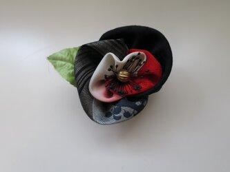 布花のブローチー1の画像