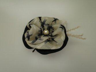 布花のブローチー3の画像