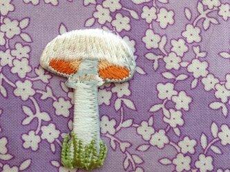アップリケワッペン-ホワイトマッシュルーム W-0134の画像