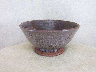 陶器ご飯茶碗(中)赤土・トンボ柄の画像