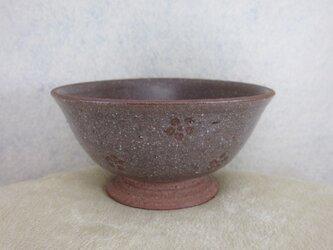 陶器ご飯茶碗(中)赤土・梅紋の画像