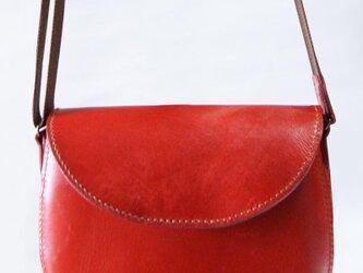 手縫いのヌメ革ポシェット 赤の画像