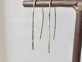 槌目模様のロングピアス  / silverの画像