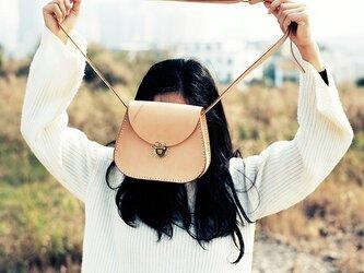 【切線派】牛革手縫い レザーショルダーバッグ サドルバッグポシェット(ミニサイズ)の画像