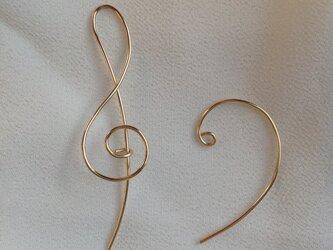 ゴールドフィルドのト音記号・ヘ音記号ピアスの画像