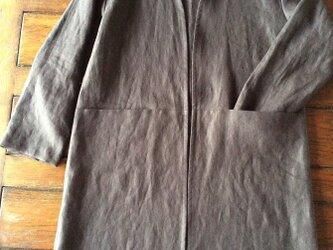 30%Off~受注制作:洗練されたシルエット~クッタリーノ・スミクロの羽織るコートの画像