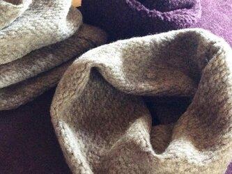 とにかく暖かい!おすすめのイタリー製ニットのスヌード2種の画像