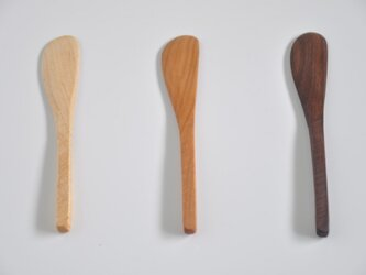 ノコ目のバターナイフの画像