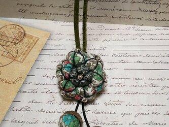 レトロな花模様*チョーカー風ネックレスの画像
