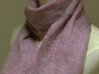 ピンクミックス色フェルトマフラーの画像