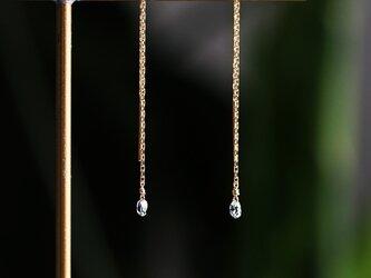 K18ダイヤモンドのブリオレットドロップカットロングピアス 〜Gabrielleの画像