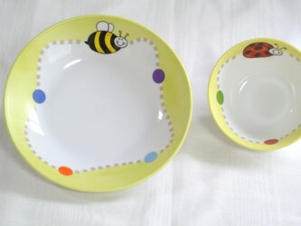 ミツバチとてんとう虫のセットの画像