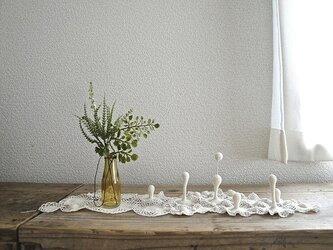 かぎ編みの立体ドイリー〈キナリ〉の画像